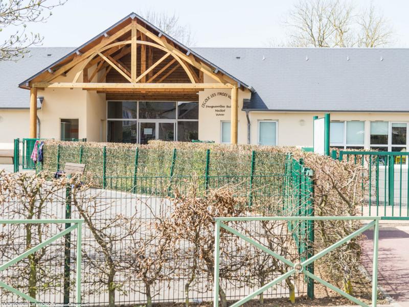 L'entrée de l'école des Trois Villages
