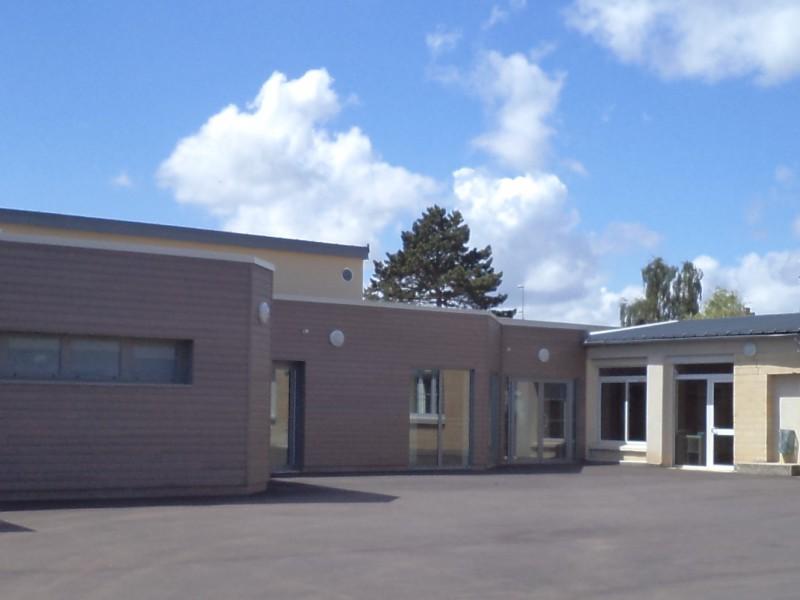 Cour du centre de loisirs à Maltot