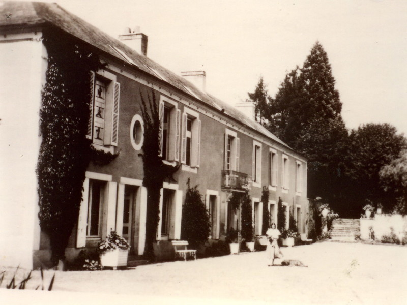 manoir du vivier Christiane Rossi dvt la maison 15-07-1933